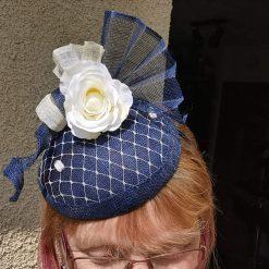 Navy and cream hatinator ,hat, cream silk flower, small Fascinator for wedding,hand made hat, fascinator for races, hat for Wedding, cream navy hat, bespoke design