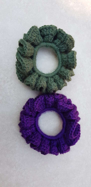 Set of 2 crocheted hair scrunchies 5
