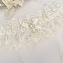 Wedding garter, Ivory embroidered lace, Ivory bow