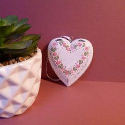 Ceramic mini hanging heart with roses design.
