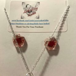 Resin Jewellery Set - Pendant on Silver Plated Chain, 2 x Pairs of Stud Earrings - Red and Gold Glitter 1