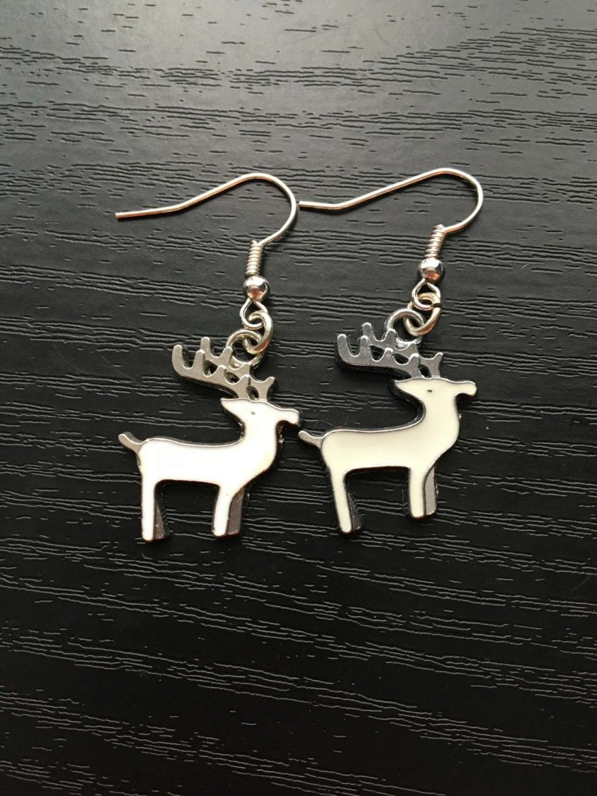 Christmas White reindeer drop and dangle earrings silver plated 1