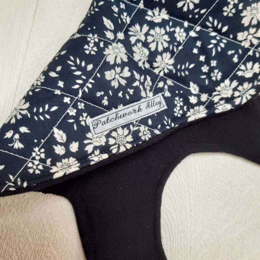 Quilted dog jacket - Navy floral (Extra, Extra Small) 2