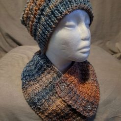 Hat / neck wrap ‐ blue and salmon