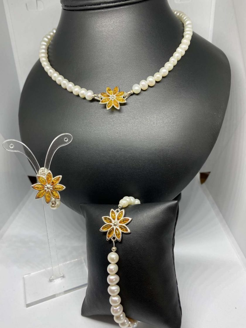 Baltic Amber & Freshwater Pearl Necklace 1
