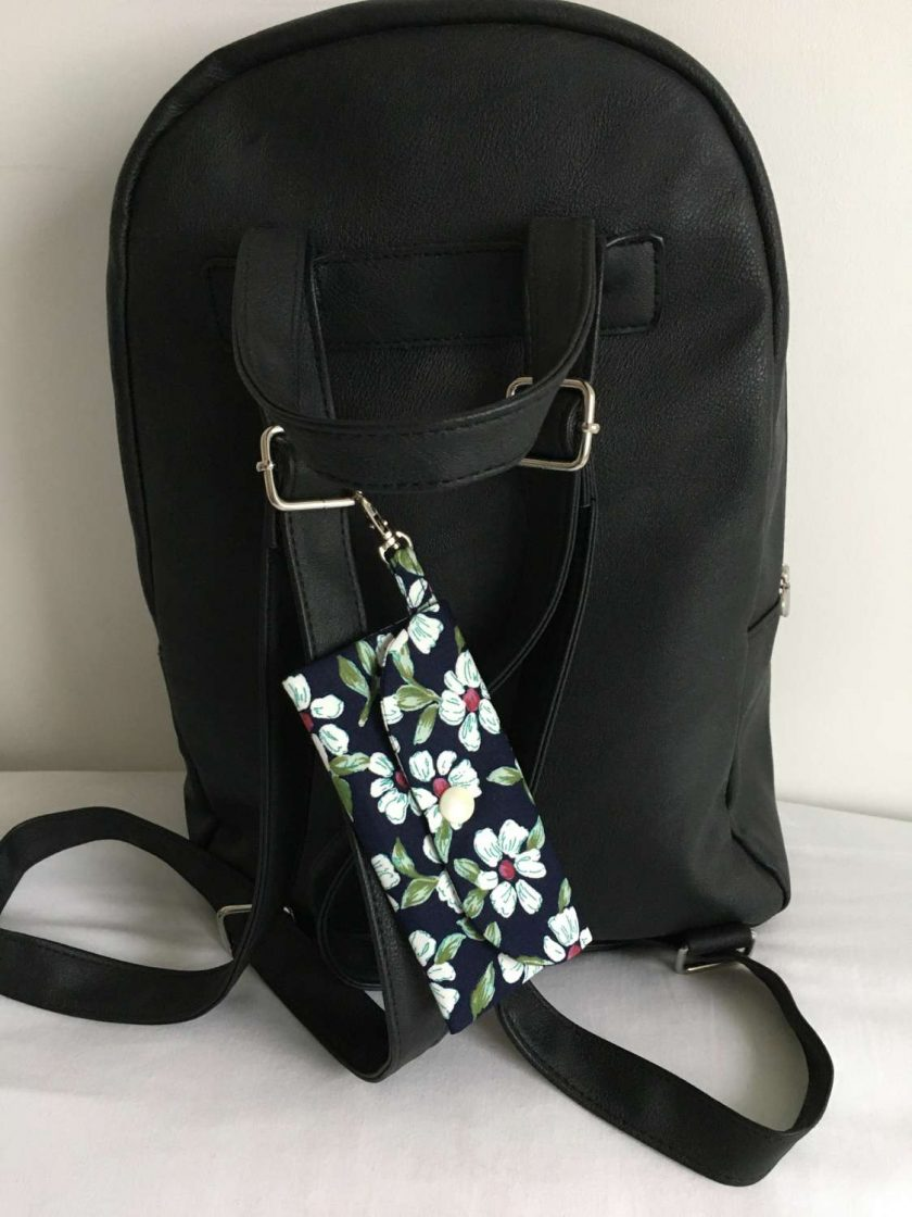 Face mask clip on bag/holder, keep your mask clean and to hand 1