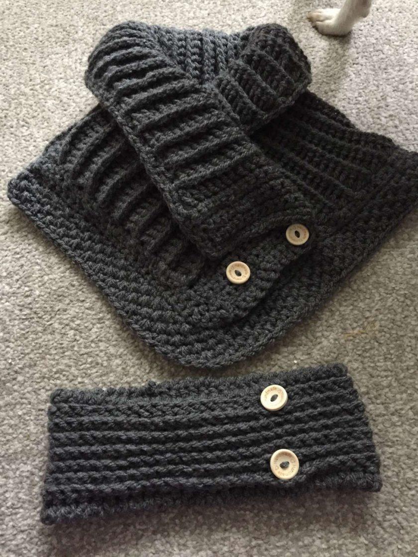 1 only Winter woolies neck & ear warmer set 1