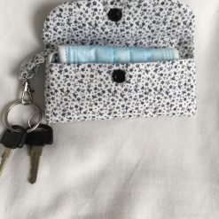 Face mask clip on bag/holder, keep your mask clean and to hand 6