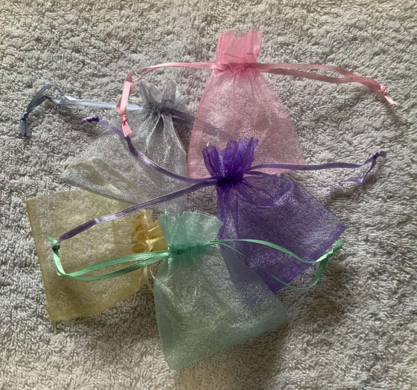 50 Pastel Coloured Small Organza Gift Bags 4