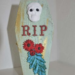 Small coffin shaped box - Spooky! 3