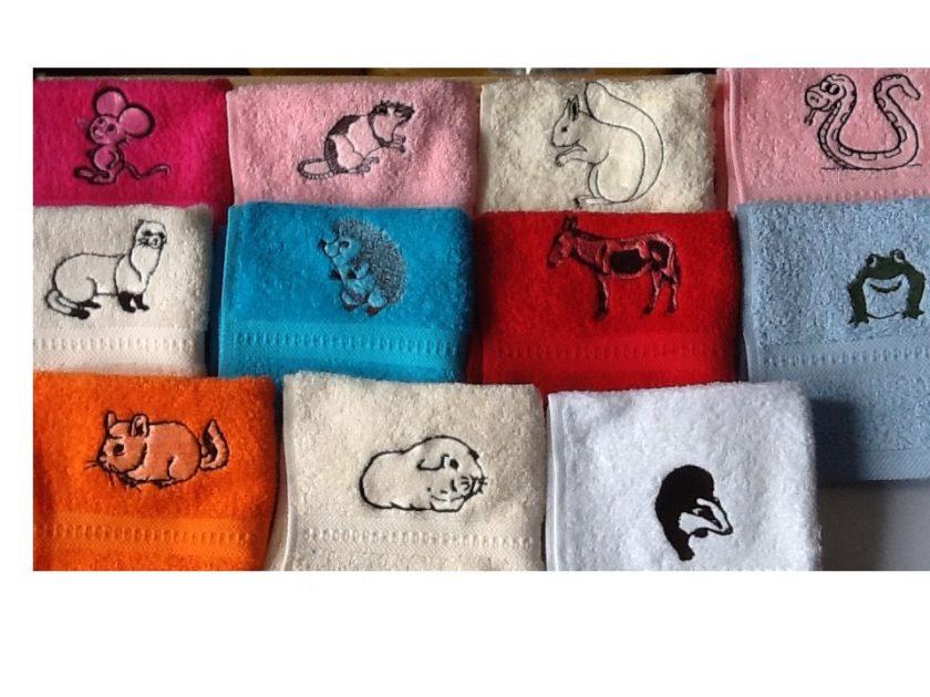 Embroidered face flannel/cloth,RAT,HEDGEHOG,FROG,GUINEA PIG,FERRET 1