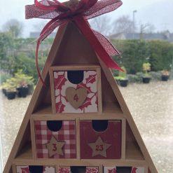 wooden Christmas tree advent calendar / red / fee p.p 9