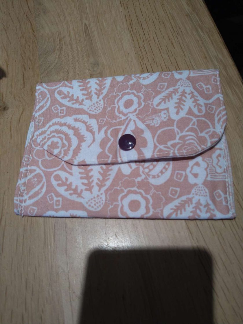 Beige medium purse 1