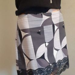 Ladies grey & white cotton skirt with lace, size 14 6