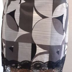 Ladies grey & white cotton skirt with lace, size 14 7