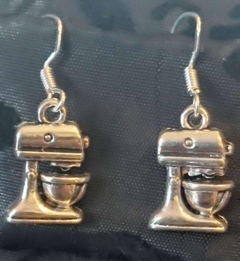 Food processor earrings 1