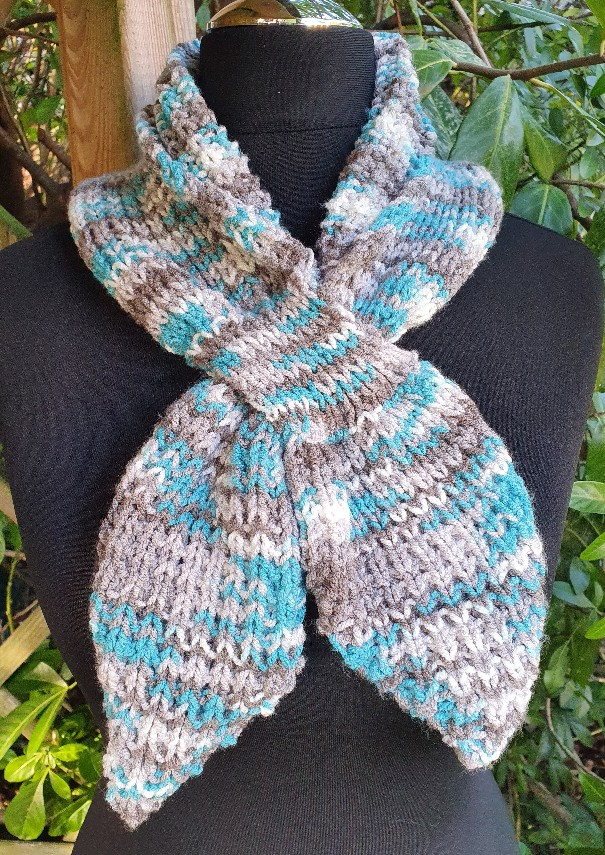 Handmade knitted keyhole scarf ....turquoise/neutral. 2