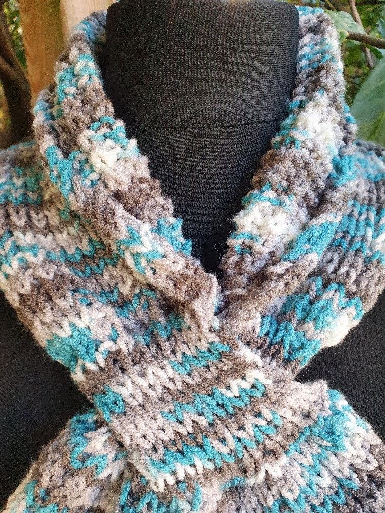 Handmade knitted keyhole scarf ....turquoise/neutral. 3