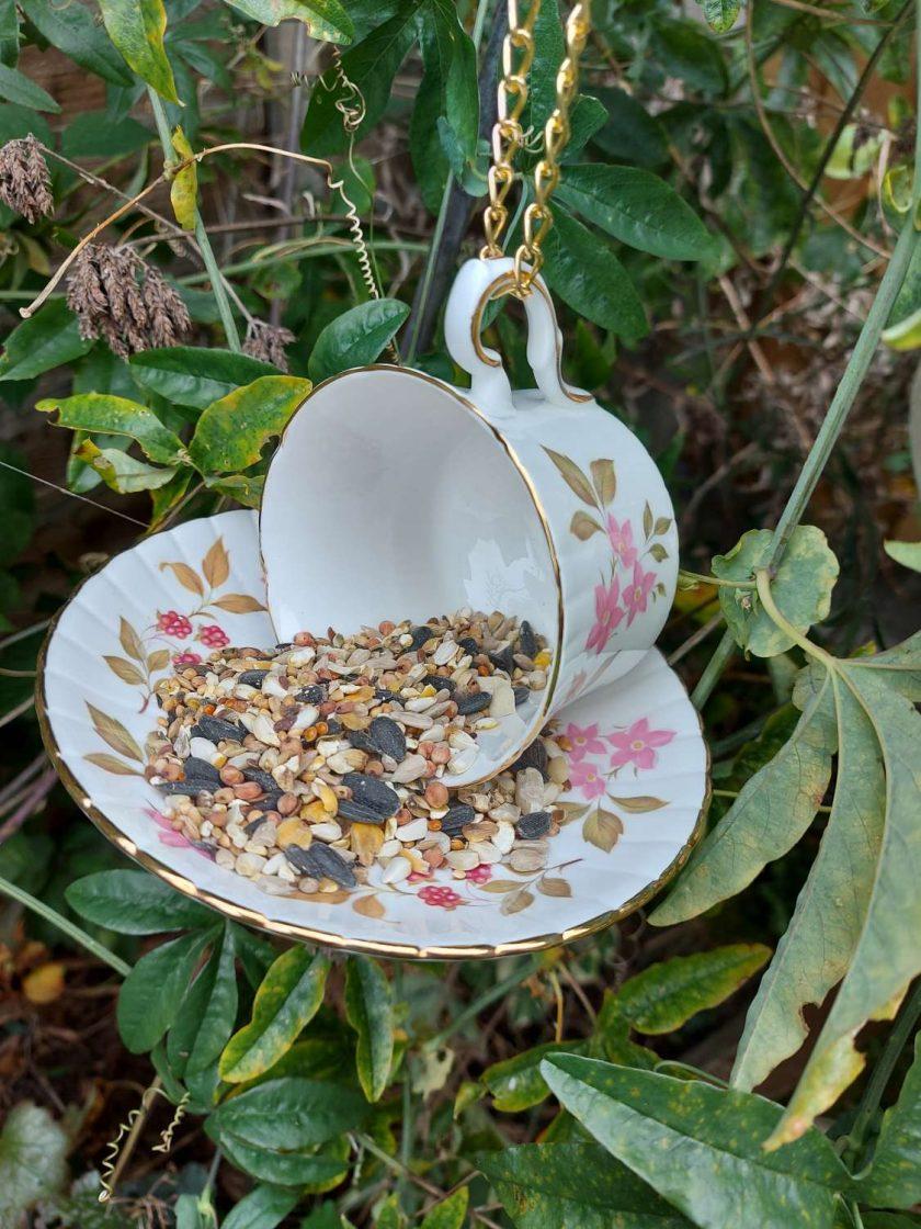Vintage pink flowers teacup bird feeder 4
