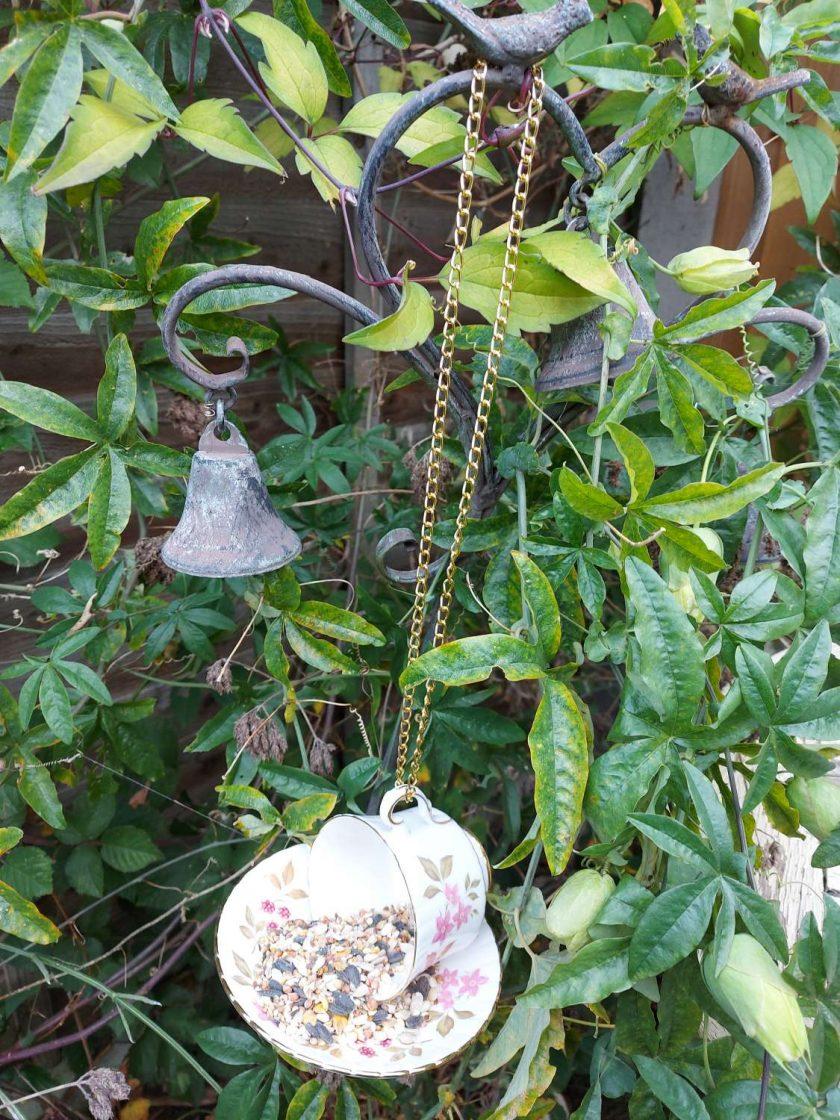 Vintage pink flowers teacup bird feeder 5