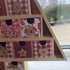 wooden Christmas tree advent calendar / red / fee p.p 11