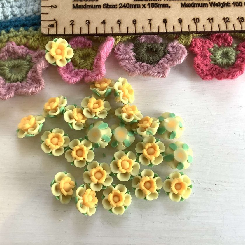10 x fimo yellow flowers  1.5 cm