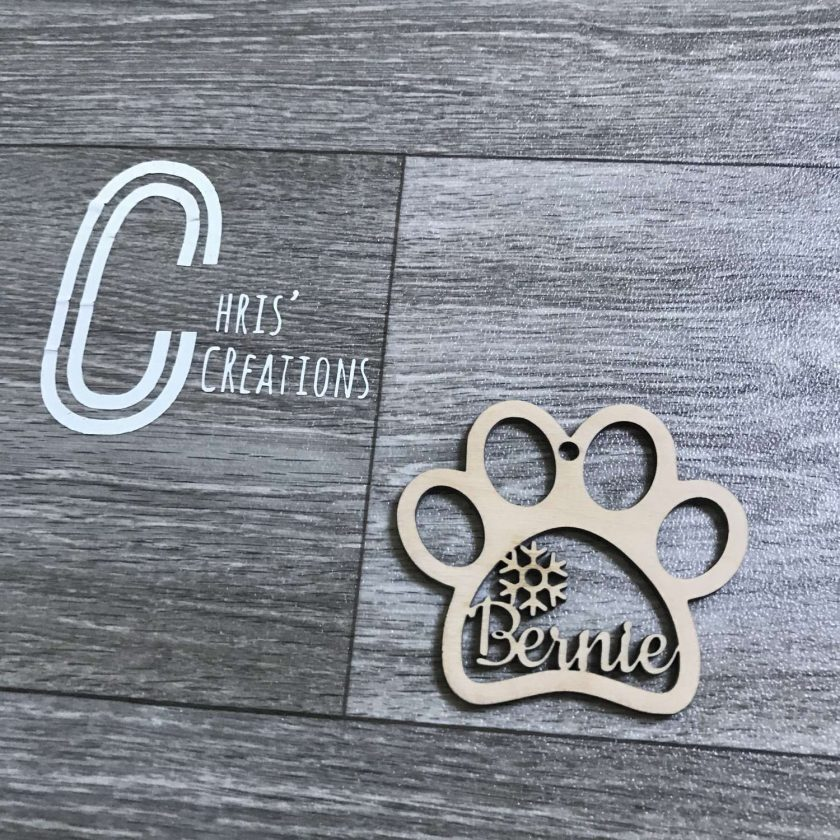 Paw print personalised wooden bauble ?