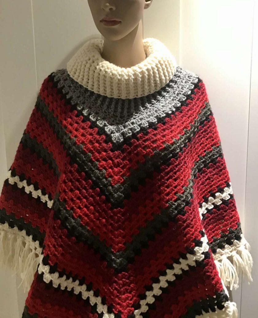 Christmas poncho - 100% wool 3