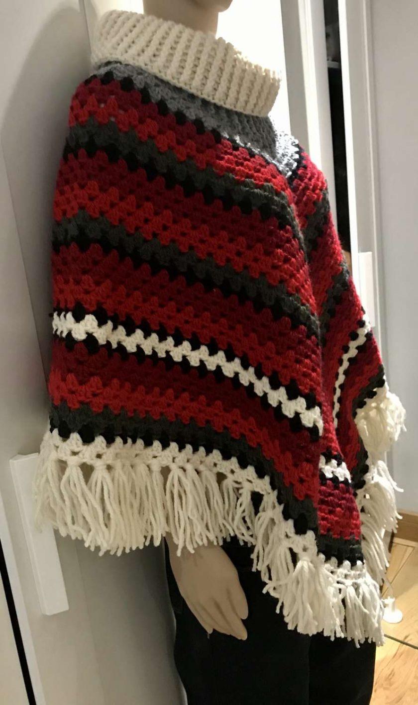 Christmas poncho - 100% wool 6