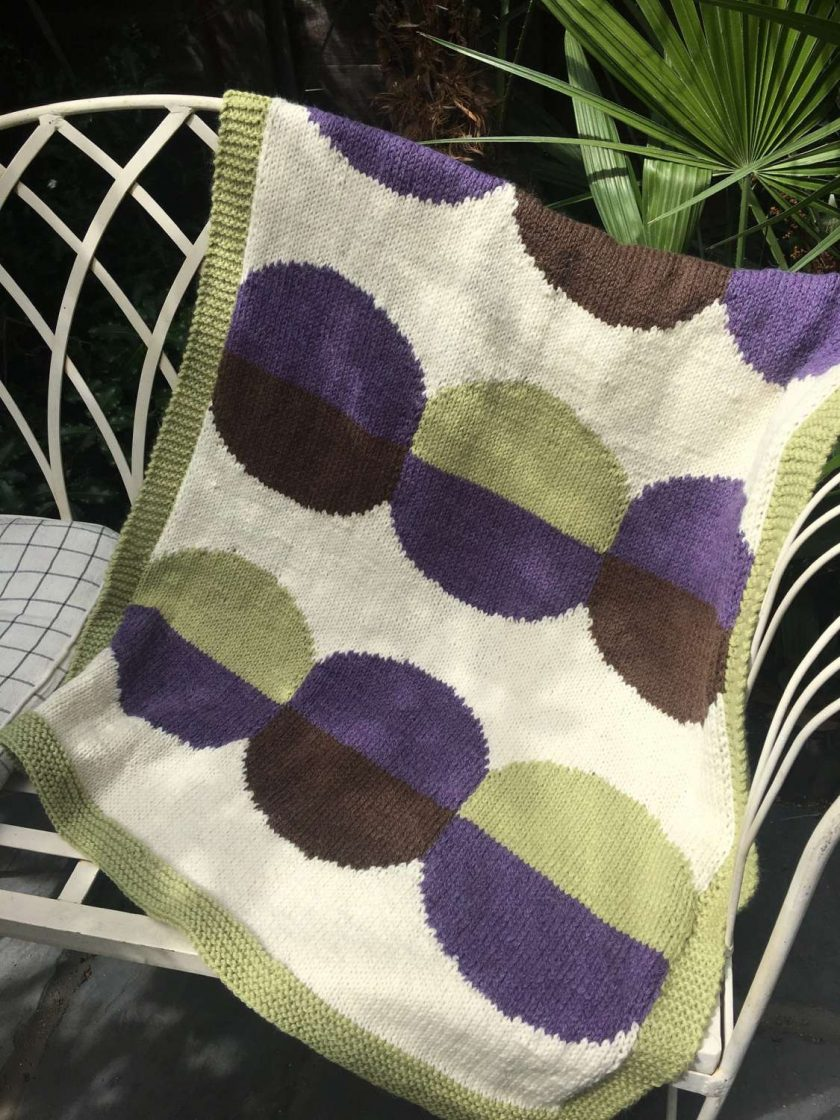 Baby Blanket with Circles 1