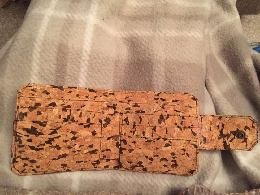 Sale : 1 only cork  leather wallets 7
