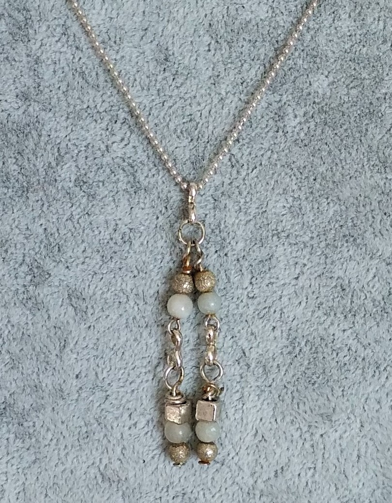 Jewellery: Beaded drop necklace 2