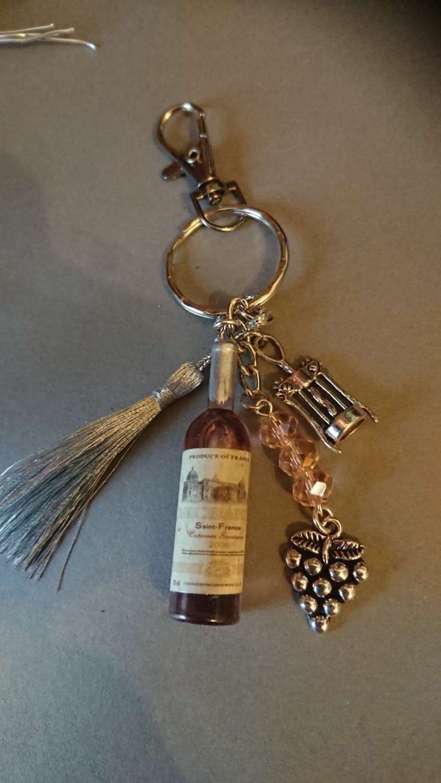 Wine bottle bag charm keyring. 1
