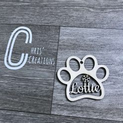 Paw print personalised wooden bauble ? 3