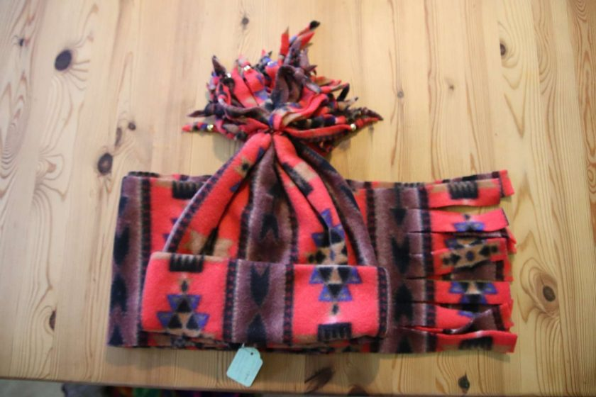 Fleece hat and scarf  Small child size Aztec print 2