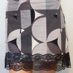 Ladies grey & white cotton skirt with lace, size 14 5